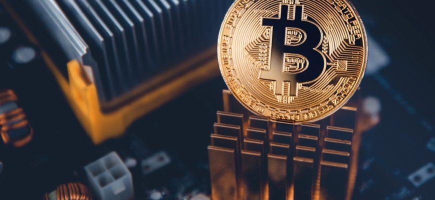 Почему компании инвестируют в биткоин - рост курса, хеджирование?